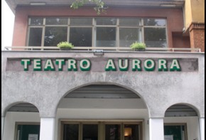Teatro Aurora (photo: questanave.com)