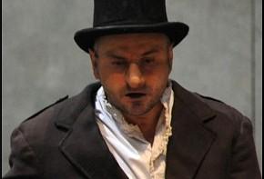Massimo Popolizio in Cyrano de Bergerac (photo: teatrodiroma.net)
