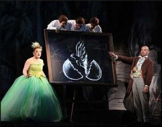 Die Zauberflöte (Atto II): Ailish Tynan (Papagena), Alex Esposito (Papageno), i tre fanciulli