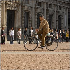 Provoc-azione davanti alla Scala