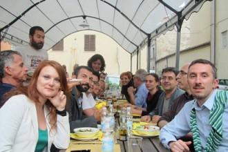 Kilowatt Festival 2011: Luca Ricci e il gruppo dei fiancheggiatori (photo: facebook.com/simona.polvani)