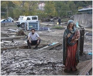 Compagnia degli Scarti nel post alluvione
