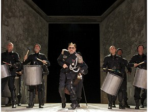 Kevin Spacey interpreta Richard III per la chiusura del Napoli Teatro Festival Italia 2011