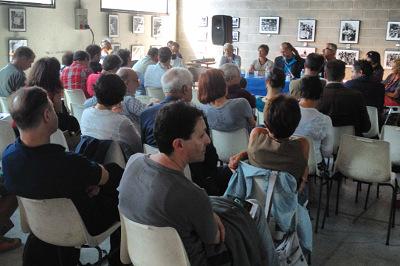 Prosa et Labora 2012: un momento del dibattito (photo: klpteatro.it)