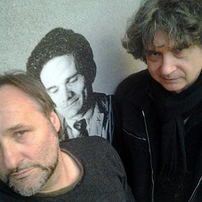 Donadoni e Alesini davanti alla foto di Pasolini