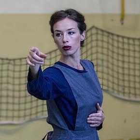 Irene Petris in una scena di 'Giudizio, Possibilità, Essere. Variazione da The Four Season Restaurant' (photo: Salvatore Insana)