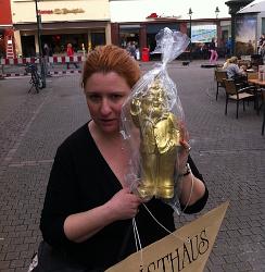 Licia Lanera a Heidelberg col famoso nano