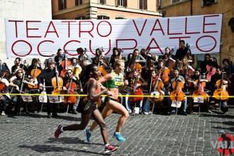 100 Violoncelli e Giovanni Sollima alla Maratona di Roma - 18 marzo 2012