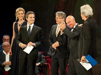 Enzo Vetrano e Stefano Randisi premiati per il miglior spettacolo a Le Maschere del Teatro 2011