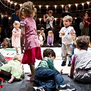 I bimbi al Valle per il Teatrodelleapparizioni