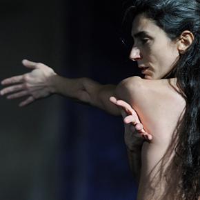 Enter Lady Macbeth (photo: Gabriele Termine)