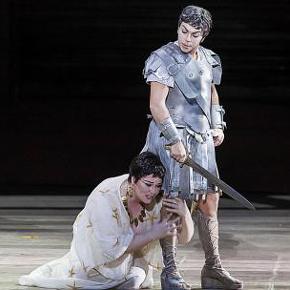 Cleopatra (Jessica Pratt) e Giulio Cesare (Sonia Prina) nell'atto II (photo: Ramella&Giannese)