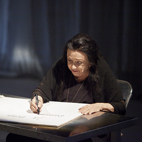 Judith Malina nello spettacolo dei Motus The Plot is the Revolution (photo: Marco Caselli Nirmal)
