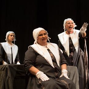 Le intellettuali di Trifirò (photo: teatrosalafontana.it)