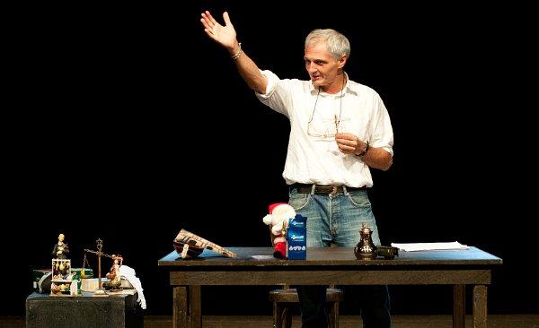 Mimmo Sorrentino durante lo spettacolo (photo: Luciano Paselli)