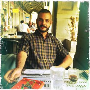 Stesso bar, stesso tavolino, due anni dopo di nuovo con Dante Antonelli (photo: Giacomo d'Alelio)