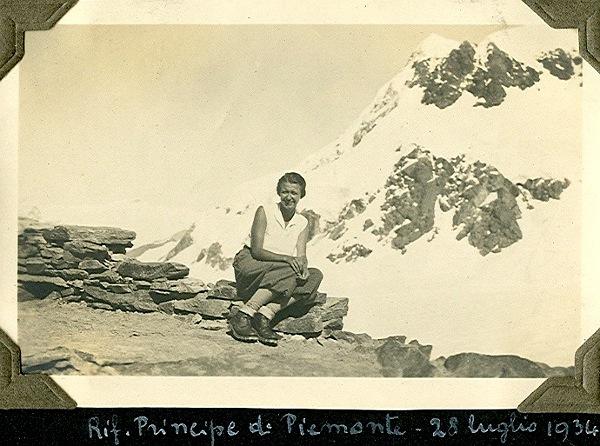 Antonia Pozzi al rifugio Principe di Piemonte (photo: Archivio Antonia Pozzi)