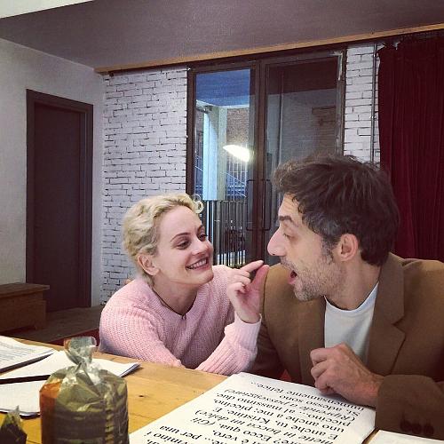 Rocco e Timi fuori dalla scena (photo: Teatro Franco Parenti)