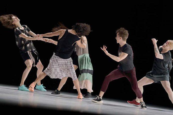 Daniel Linehan / Hiatus - Dbddbb (photo: labiennale.org)