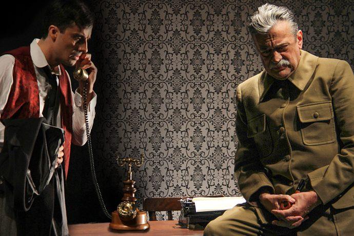 Fra le anteprime viste a Next, Collaborators, che debutta il 22 novembre al Teatro Filodrammatici di Milano