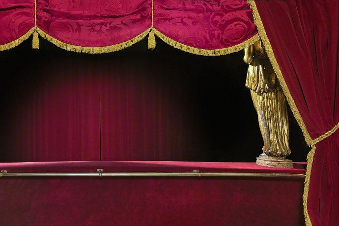 Il Teatro Carignano (photo: Pino Musi)