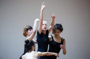 Chiedi al tuo corpo: Adriana Borriello tra coreografia e pedagogia