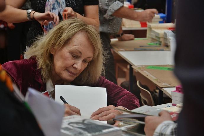Annie Ernaux alla 30^ Fiera del libro di Brive-la-Gaillarde, 5 novembre 2011 (photo: Babsy - fr.wikipedia.org)