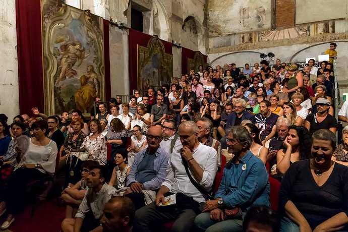 Il pubblico del Cantico dei Cantici di Roberto Latini (Photo: Franco Rabino)