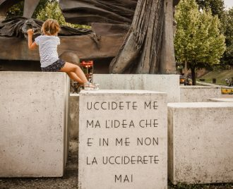 Momec - memoria in movimento (photo: festivaloperaprima.it)