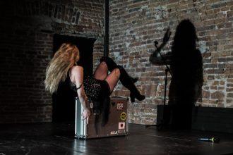 Gilda Deianira Ciao in scena (photo: Simone Baldassarri)