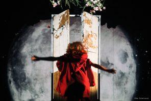 Il Cappuccetto Rosso de La luna nel letto (photo: Tea Primaterra)