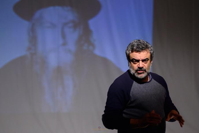 Massimiliano Civica in L'emozione del pudore (photo: Davide Colagiacomo)