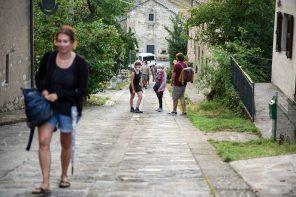 La salita al borgo (photo: Chiara Ferrin)
