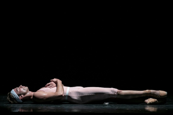 Sleeping Beauty (work bitch) (photo: Sabina Cirillo)