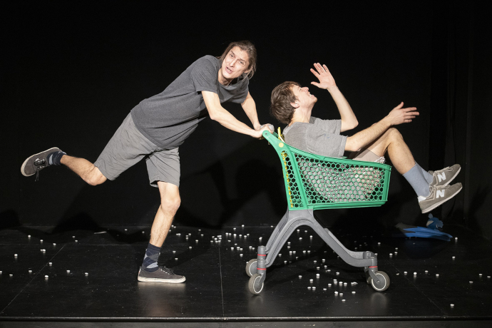 Apocalisse Tascabile ha vinto questa edizione di Direction Under 30 (photo: teatrosocialegualtieri.it)