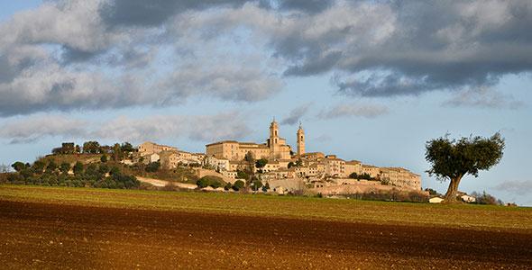 Montecosaro (photo: Morris Massaccesi)